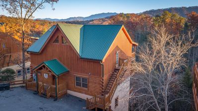 Photo for Pigeon Forge Cabin - 6 Bedroom!