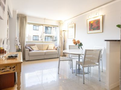 Photo for Bright one bedroom apartment, 200m from la Croisette and the city center