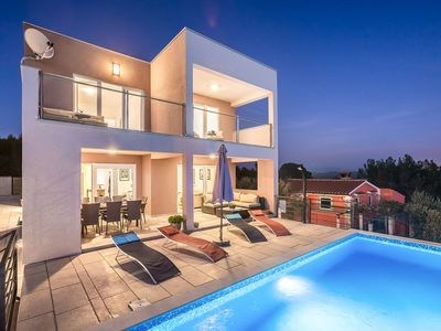 Photo for Stunning private villa for 8 people with private pool, A/C, WIFI, TV and parking