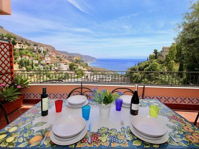 Photo for Large Apartment Centro Taormina with Private Parking and Sea View