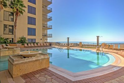 With a beautiful community pool right beside the beach, this condo promises a revitalizing retreat!
