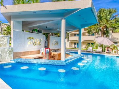 Photo for Chic, modern Studio w/ shared pool & gardens - steps to beach & dining!