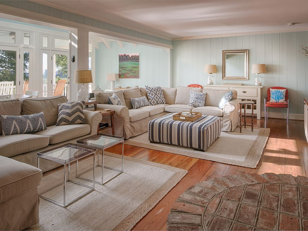Pawleys island family retreat for any seaso vrbo main living room great room nvjuhfo Gallery