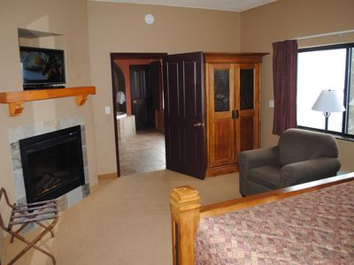 Photo for Beautiful 2 Bedroom Condo, Summer bookings include up to 6 Noah's Ark passes