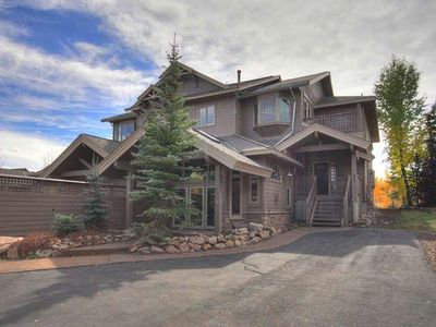 Photo for Luxury Home adjacent to National Forest. Sleeps 16. 522