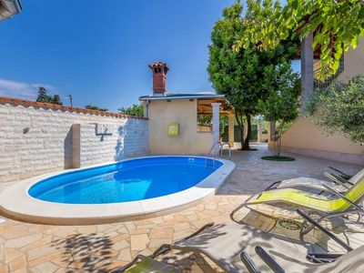 Photo for Villa with private pool, 5 bedrooms, 3 bathrooms, wireless internet and very good value for money