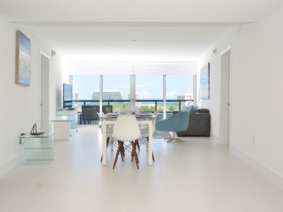 Photo for Luxurious 2bed apartment with waterviews &  rooftop pool
