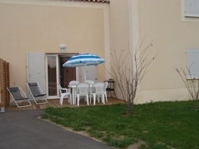 Photo for A 3 room villa is located in a three stars holiday village in Provence