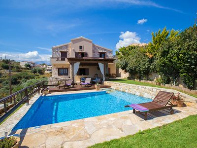 Photo for 3 bedroom Villa, sleeps 6 in Zachariás with Pool, Air Con and WiFi