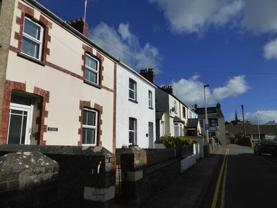 Photo for Modernised traditional cottage, Sleeps 5,short walk to beaches, town, amenities