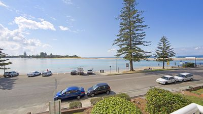 Photo for Jewel Court Unit 5 - on Marine Parade - waterfront