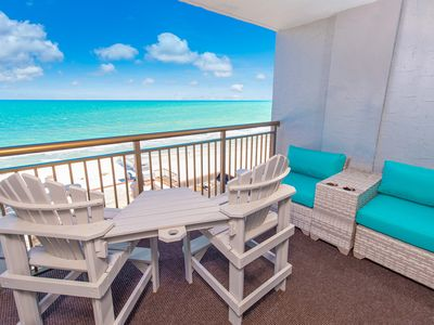 Photo for Relaxing Oceanfront Condo at the newly renovated Grande Cayman Resort