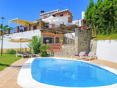 Photo for 3 bedroom villa, short drive to beach, stunning views from terrace