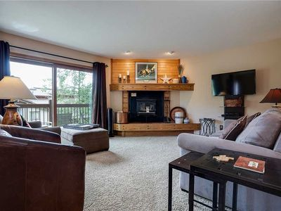RA517 by Mountain Resorts: ~ Minutes away from winter activities ~ Pool & Hot Tub Onsite ~