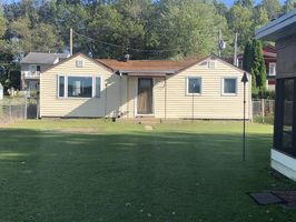 Photo for 2BR House Vacation Rental in Bremen, Indiana