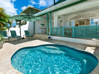 Photo for 3-bedroom villa with plunge pool and sea views