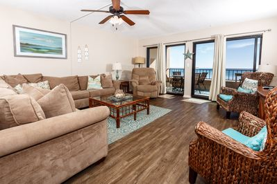 Comfort and class encompass every guest of SD 211 - Spacious Gulf-front living room looks warm and inviting!