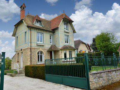 Photo for Beautiful house in the center of Bayeux with garden and private parking