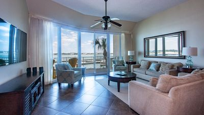 Photo for Luxurious Modern Condo w/ Bay View and Roku Smart TV