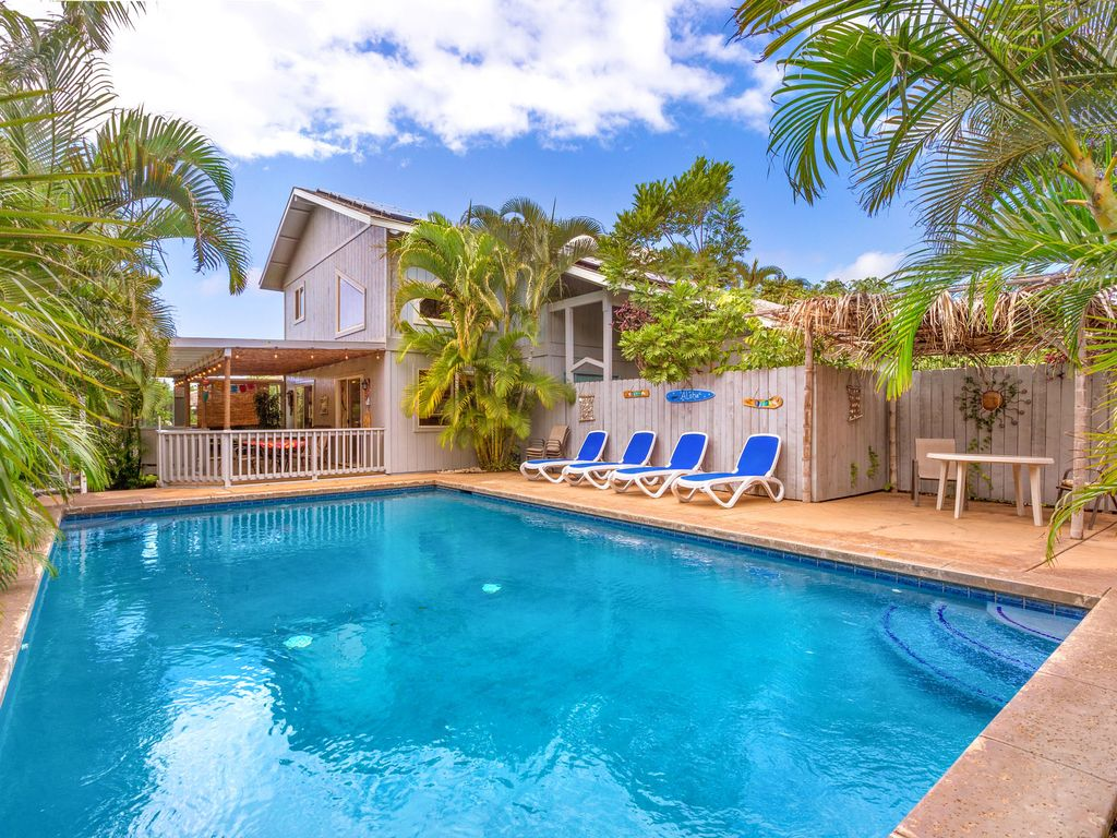Spacious bright family home large private pool and outdoor space walk to beach homeaway for Vacation rentals with private swimming pool