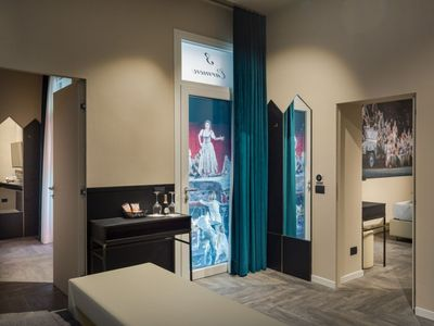 Photo for Elegant studio apartment with a scene from an Arenian opera as a theme