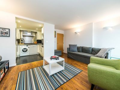Photo for NEW Superb 1BD Flat In the Heart of the Docklands