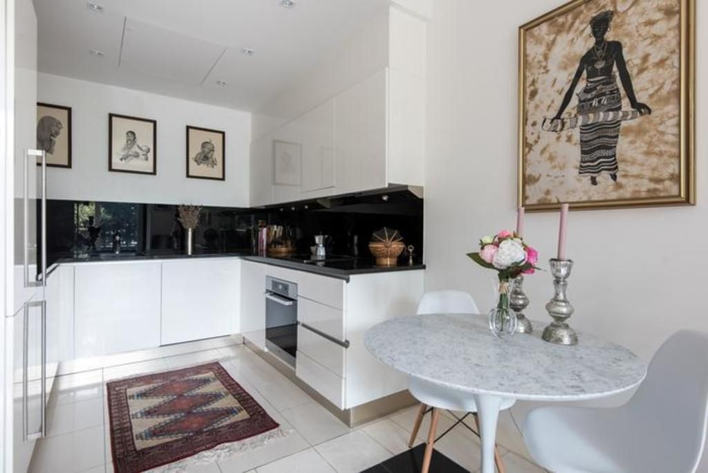 London Home 597, How to Rent Your Own Private Luxury Holiday Home in London - Studio Villa, Sleeps 2