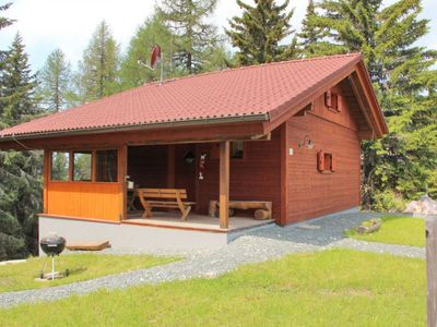 Photo for Well equipped chalet with sauna, 9 km from Airach in the middle of an excellent walking area, close