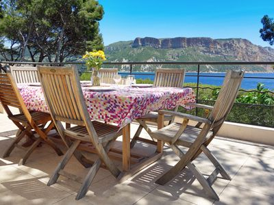 Photo for Villa in cassis for 14 people - seaview and direct access to the sea