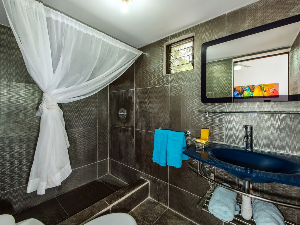 Room With Private Bathroom In A Little Bed And Breakfast With - Rooms for rent with private bathroom