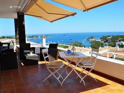 Photo for 101.25-Renovated apartment with three double bedroom and a great terrace with sea views