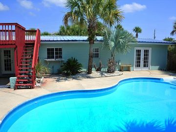 Great Beach Home W/Private Pool & Fenced-in Yard; Pet Friendly