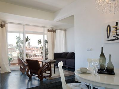 Photo for Apartment in the center of Barcelona with Internet, Air conditioning, Lift, Balcony (443092)