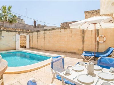 Photo for Ta Battista apartment in Xewkija with WiFi, integrated air conditioning & balcony.