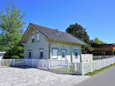 Photo for Holiday house Dranske for 4 - 6 persons with 3 bedrooms - Holiday house