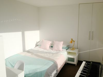 Photo for 1 bedroom fully-furnished apartment in Flemington