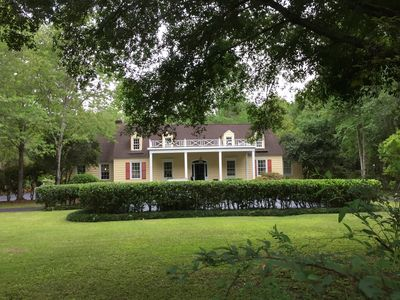 Photo for Elegant cottage in historic Summerville
