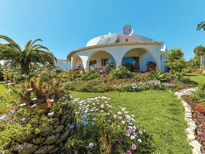Photo for Spacious villa w/ 4 en suite bedrooms, private pool + covered terrace