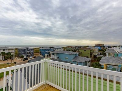 Photo for Free golf cart! Beach View 54-Panoramic ocean view from the Rooftop deck, 2 heated community pools