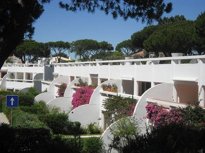 Photo for Full renovated apartment, with pool, wi-fi and air conditioning, Vale do Lobo