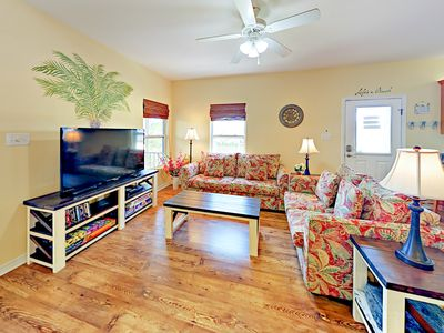 Photo for Explore the Bay, Relax on the Beach! 3BR w/ Pools, Clubhouse & Golf Cart