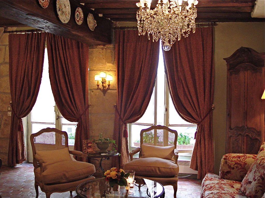 Ile Saint Louis 3 Room Luxury Apartment Dreamy Old World Charm