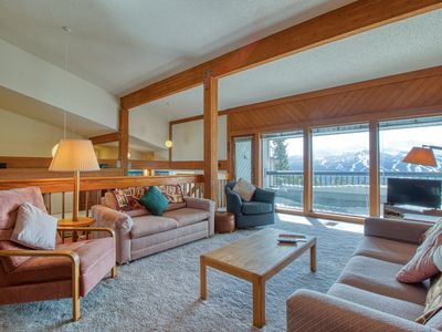 Photo for Large mtn-top condo w/shared hot tub,game room & private balcony
