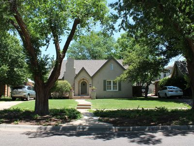 Photo for Charming Cottage blocks from Amarillo College, I-40, and 1-27 in tree lined area