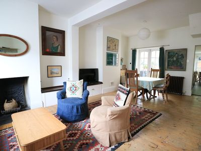 Photo for Charming 2 Bedroom House With Garden in East London