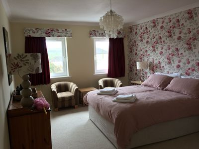 Photo for Apartment with 4 en -suite bedrooms, kitchen & living dining room