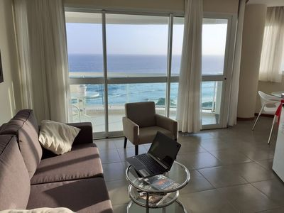 Photo for Excellent flat in luxury hotel, facing the sea