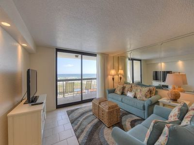 Photo for 2nd Floor Comfortable Vacation Condo, Multiple pools & splash pad, Gulf-front
