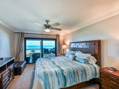 Photo for 2BD/2B CONDO RIGHT ON THE GULF OF MEXICO WITH BREATHTAKING VIEWS AND ROOM FOR 7 GUESTS!