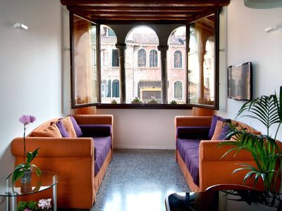 Photo for Ca' Trifora - Very bright apartment with triphora on quiet court in the heart of Venice